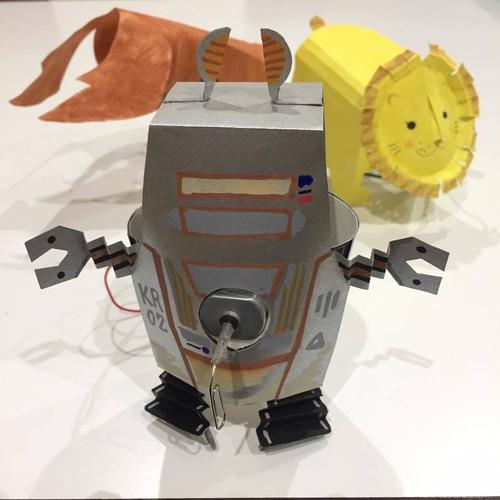 モーターと紙コップでロボットを作ろう! 小一対象実験工作キット